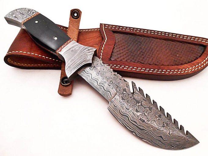 Black-Bull-Horn-Handle-Hunting-Tracker-Knife