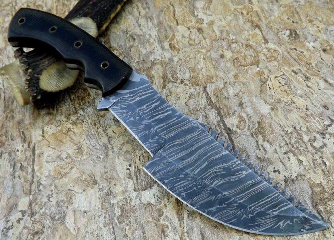 Black-Micarta-Handle-Hunting-Tracker-Knife