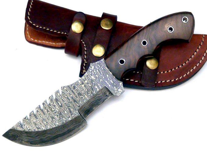 Custom-Handmade-Damascus-Steel-Hunting-Tracker-Knife-Walnut-Wood-Handle-With-Leather-Sheath