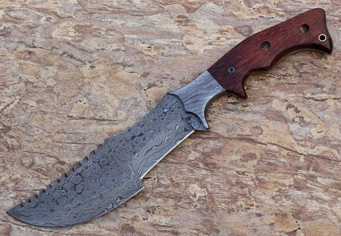 Damascus-Steel-Tracker-Knife