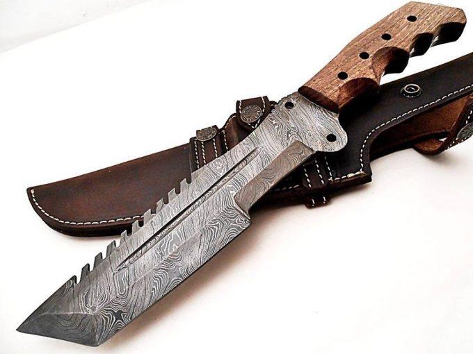 Custom-Handmade-Damascus-Steel-Hunting-Tracker-Knife-With-Rose-Wood-Handle