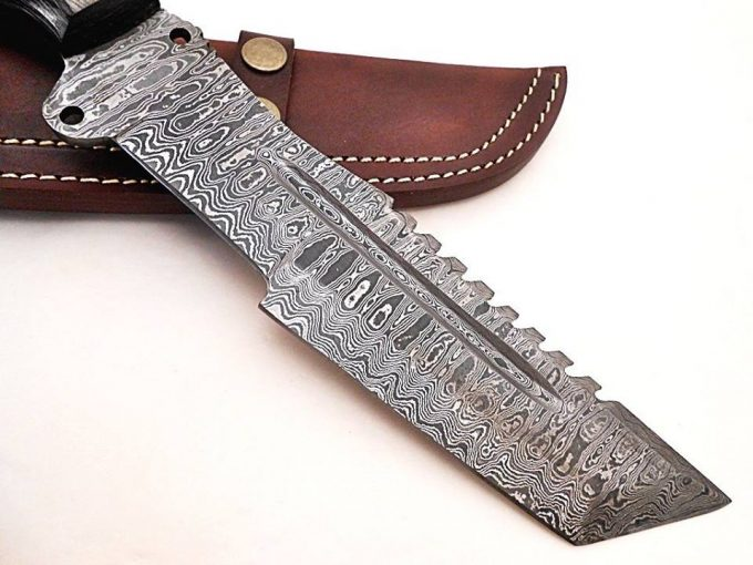 Custom-Tracker-Knife