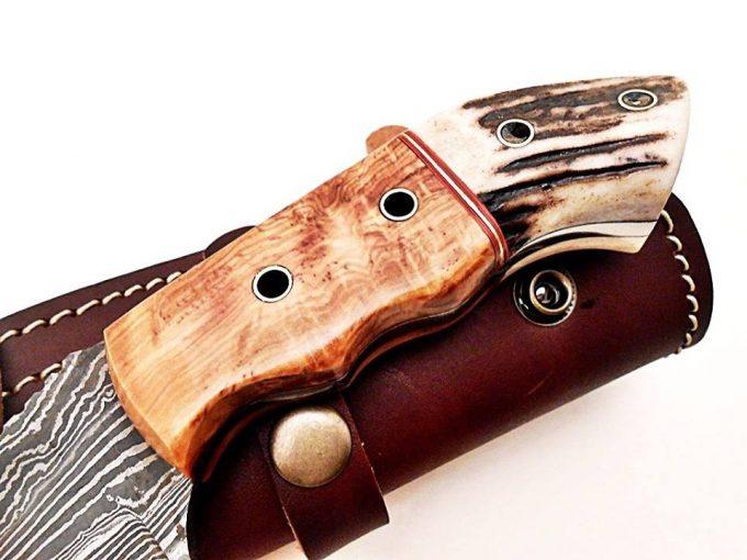 Damascus-Steel-Hunting-Tracker-Knife-Custom-Handmade-Stag-Horn-And-Wood-Handle