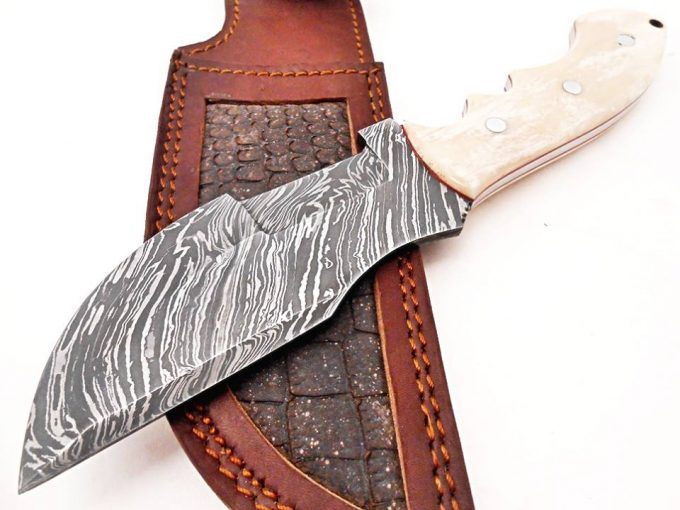 Damascus-Steel-Hunting-Tracker-Knife-With-Camel-Bone-Handle