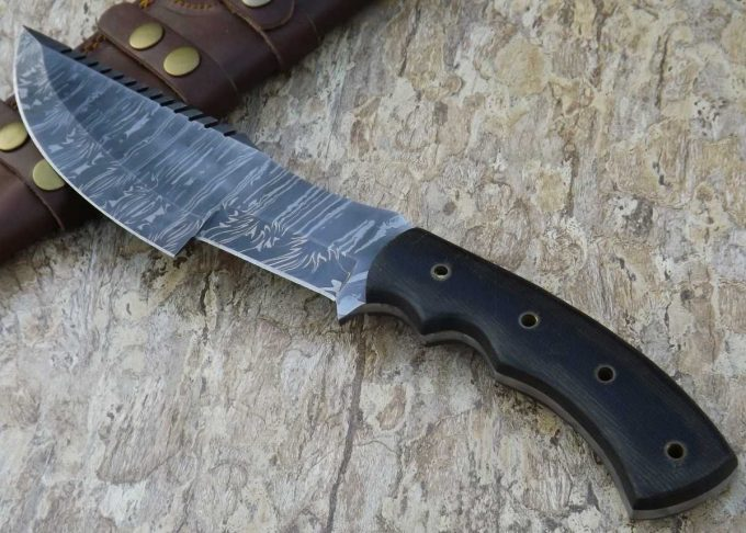 Hunting-Tracker-Knife-With-Black-Micarta-Handle