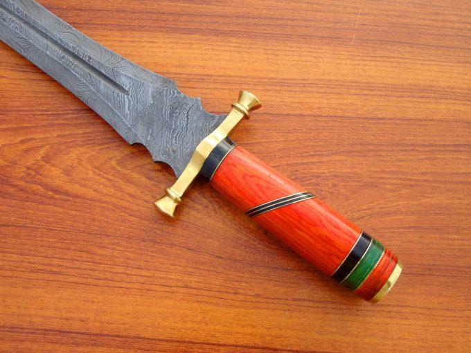Custom-Handmade-Damascus-Steel-Hunting-Sword-With-Pakka-Wood-Handle