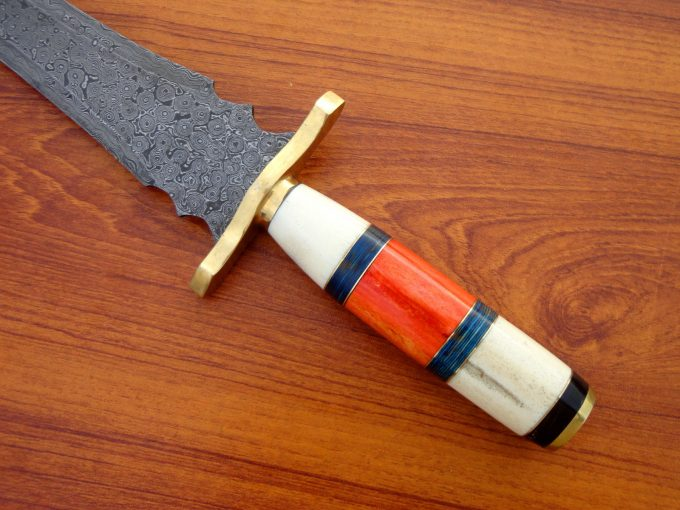 Damascus-Steel-Hunting-Sword-With-Camel-Bone-Handle