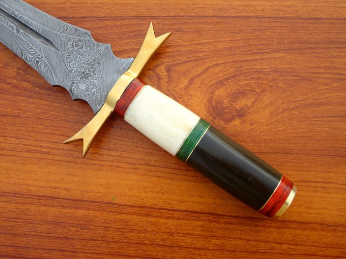 Damascus-Steel-Hunting-Sword-With-Micarta-And-Camel-Bone-Handle