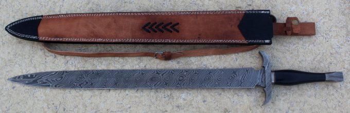 Micarta-Handle-Hunting-Sword