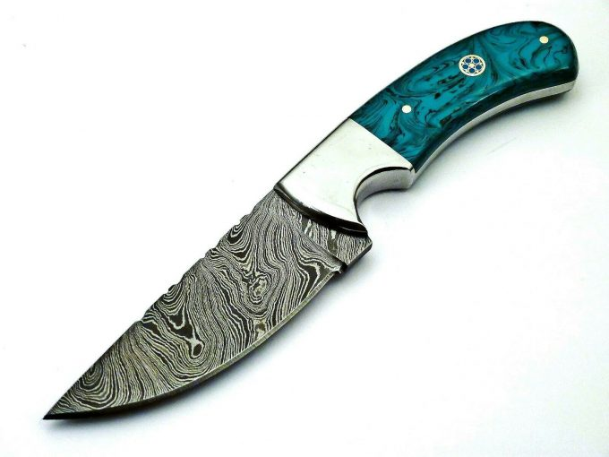 Custom-Handmade-Damascus-Steel-Hunting-Skinner-Knife-With-Resin-Sheet-Handle