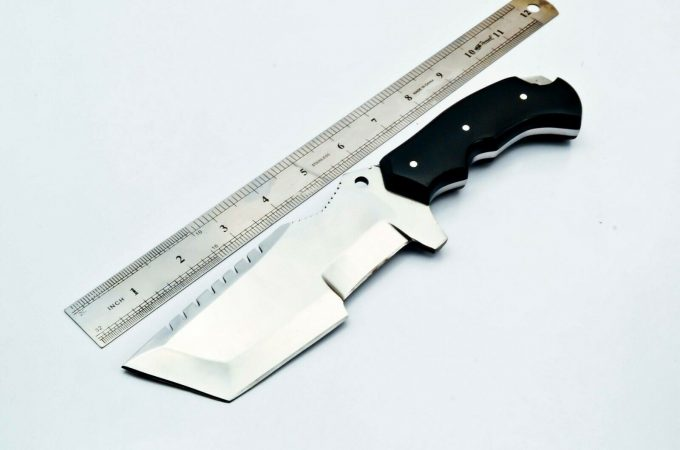 D2-Steel-Hunting-Tracker-Knife-With-Micarta-Handle