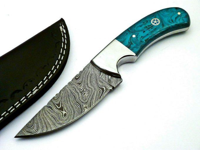 Damascus-Steel-Hunting-Skinner-Knife-With-Resin-Sheet-Handle