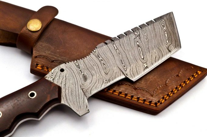 Hunting-Tracker-Knife-With-Micarta-Handle