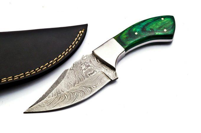 Damascus-Steel-Hunting-Skinner-Knife-With-Pakka-WWood-Handle