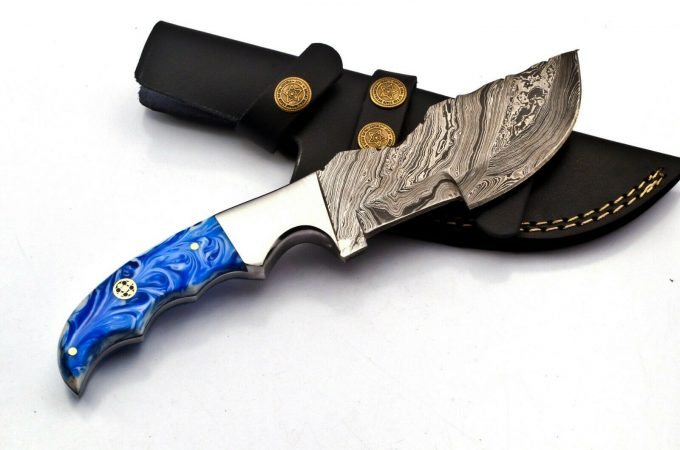 Damascus-Steel-Hunting-Tracker-Knife-Custom-Handmade-Resin-Sheet-Handle