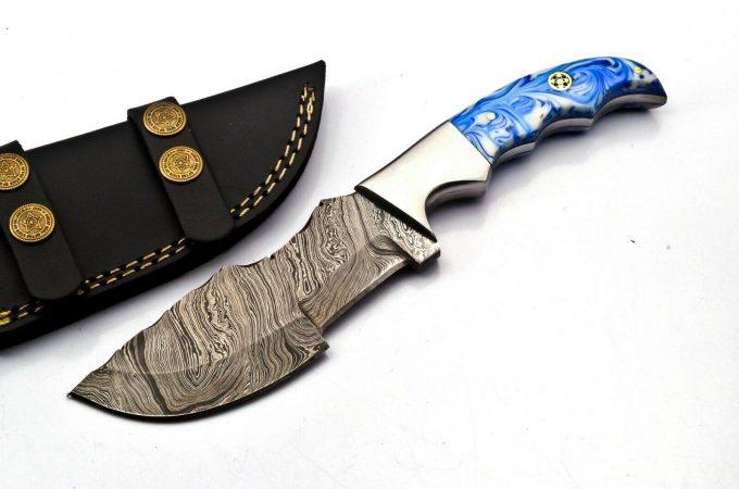 Damascus-Steel-Hunting-Tracker-Knife-Resin-Sheet-Handle