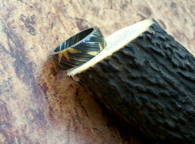 Beautiful-Damascus-Steel-Beautiful-Ring-Brass-Filling-Ring-Best-Quality