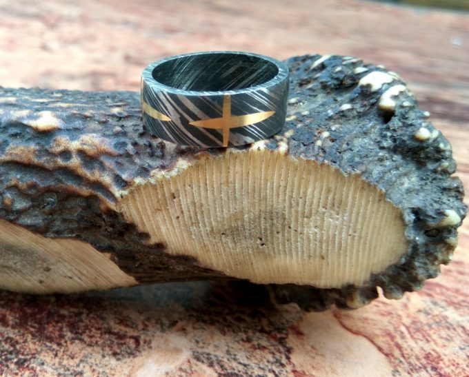 Beautiful-Damascus-Steel-Beautiful-Ring-Brass-Filling-Ring-High-Quality