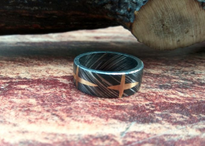 Custom-Handmade-Damascus-Steel-Beautiful-Ring-Brass-Filling-Ring