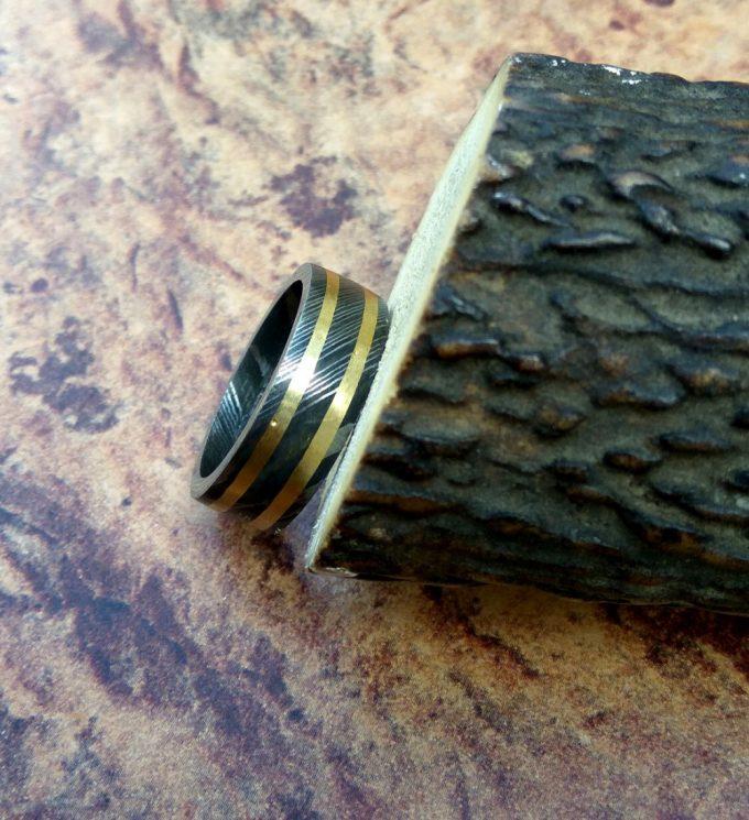 Damascus-Steel-Beautiful-Ring-Brass-Filling-Ring