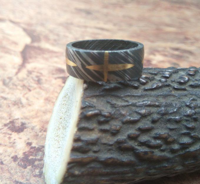 Damascus-Steel-Beautiful-Ring-Brass-Filling-Ring-Custom-Handmade