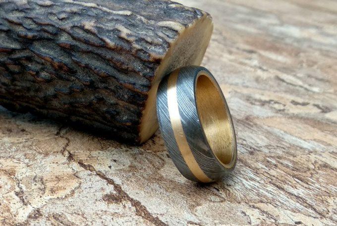 Damascus-Steel-Beautiful-Ring-Brass-Inlay-Ring