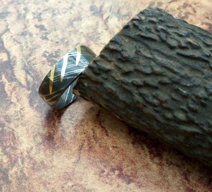 Handmade-Damascus-Steel-Beautiful-Ring-Brass-Filling-Ring-For-Sale