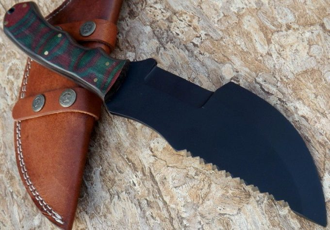 Beautiful-D2-Steel-Hunting-Tracker-Knife-Best-Quality