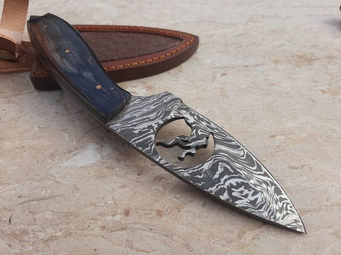 Damascus-Steel-Hunting-Skinner-Knife-Custom-Handmade-Black-Pakka-Wood-Handle
